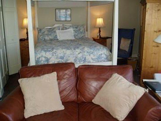 Steamboat Inn: marie gilbert room