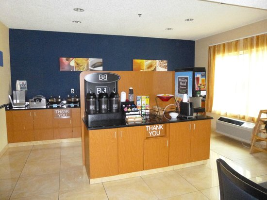 Fairfield Inn & Suites Frankenmuth: Breakfast Area