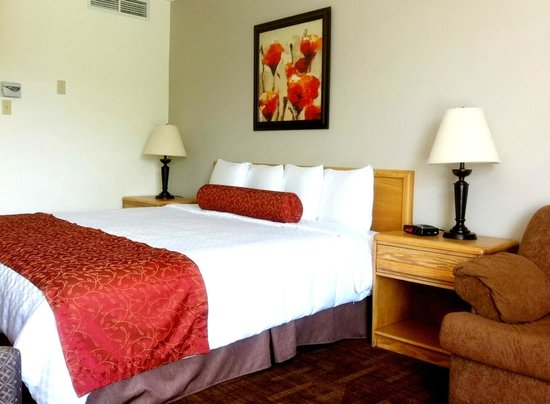 auberge du grand lac hotel magog canada voir les. Black Bedroom Furniture Sets. Home Design Ideas