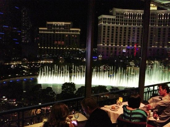 The Most Romantic View In Vegas Picture Of Eiffel Tower Restaurant At Pari