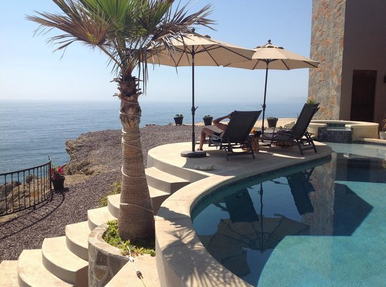 Arriba de la Roca: Our favorite spot overlooking the Pacific ocean
