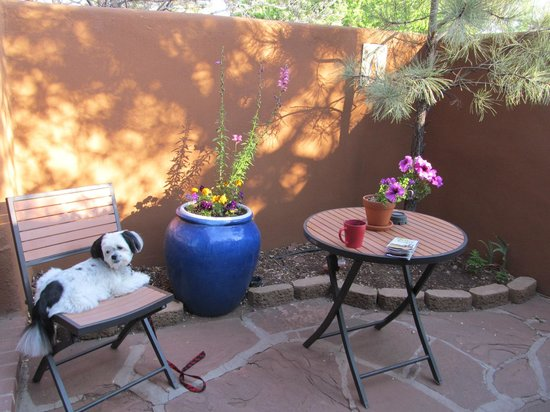 Santa Fe Motel and Inn: The patio for Casita 22