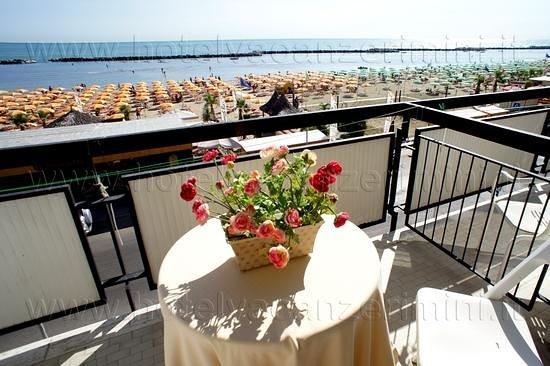Hotel Brenta: Vista dai balconi