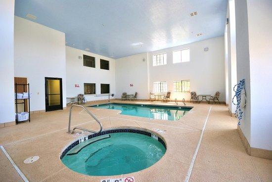 Desert Inn: pool