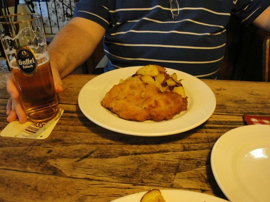 Schnitzel with gravy - Picture of Oma\'s Kuche, Cologne - TripAdvisor