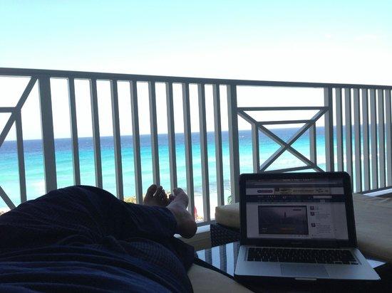 Ocean Two Resort & Residences: Chillin on the balcony
