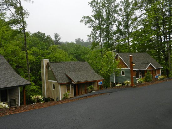 The Cabins at White Sulphur Springs : Cabins #3, 4 & 5