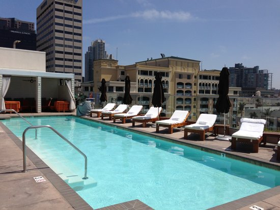 Andaz San Diego: The beautiful rooftop pool