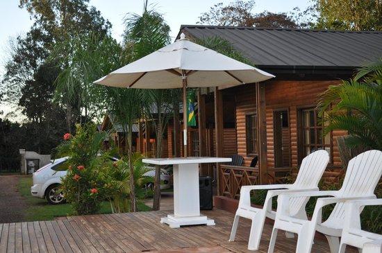 La Floresta Cabanas : vista da piscina