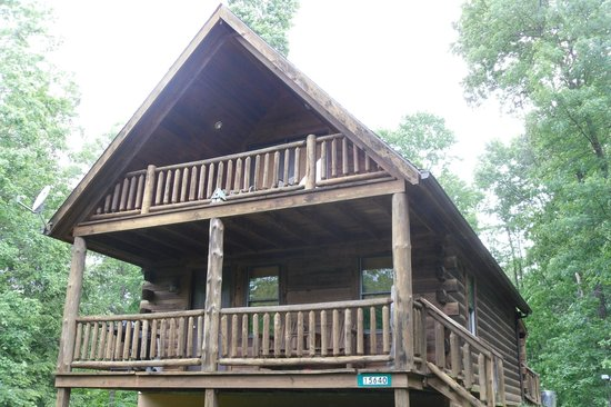 Buckeye Cabins: Front of Cabin