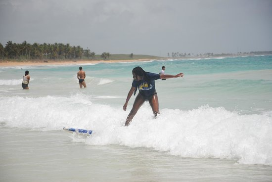 Punta Cana Surf School: my cousin in the waves