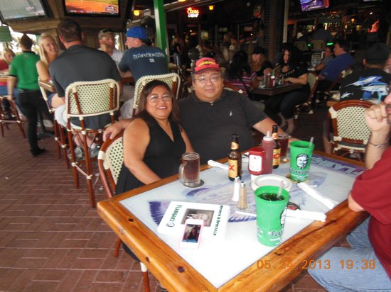 Flanigan's Seafood Bar and Grill: sala de espera,1