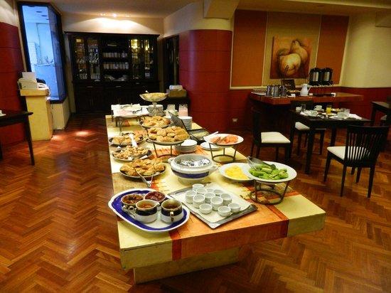 Panamericano Bariloche: EL DESAYUNO BRINDADO POR UN HOTEL 5 ESTRELLAS!!