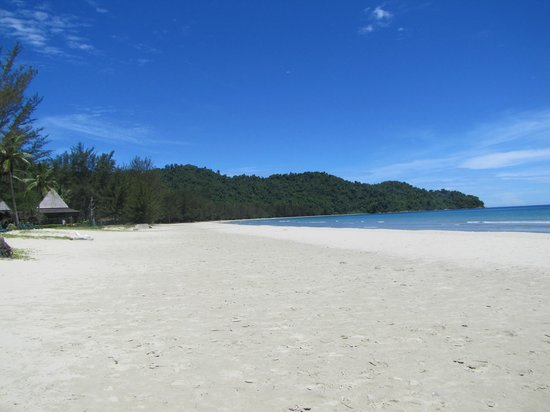 Nexus Resort & Spa Karambunai: Beautiful sandy beaches