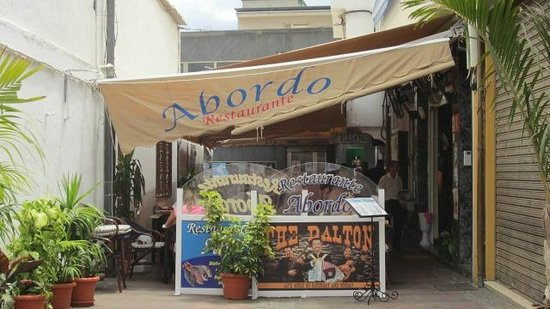 Restaurante Abordo: tucked in between buildings it is the find you were looking for. well worth the hunt.