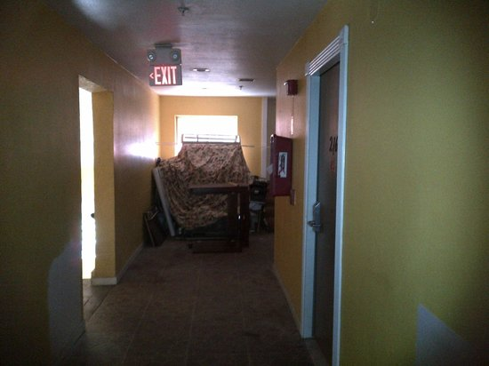 Great Value Inn: This is the Hallway