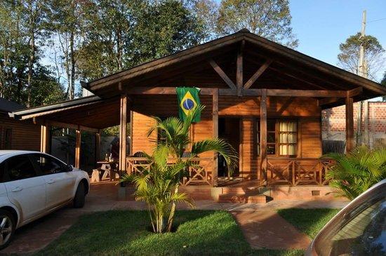 La Floresta Cabanas : Uma das três cabanas alugada!