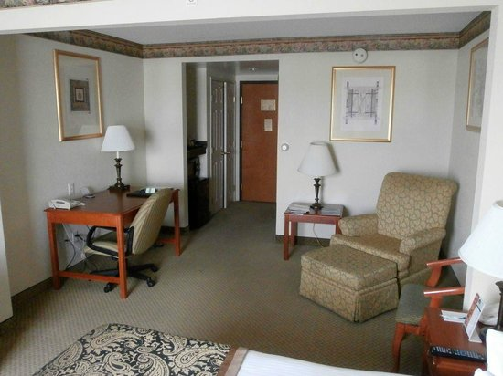 Wingate by Wyndham Arlington Heights: Room 421