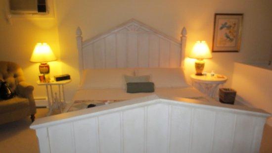 Red Clover Inn & Restaurant: room