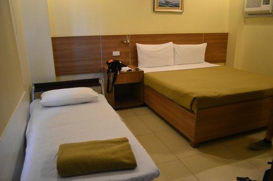 Adelfa Hotel