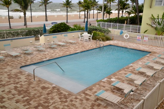 The Merriweather Resort: the swimming pool