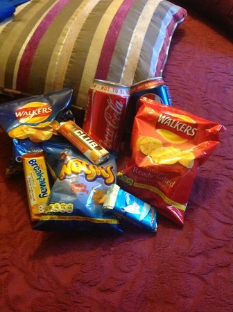 Arden House: complimentary snacks replenished everyday!