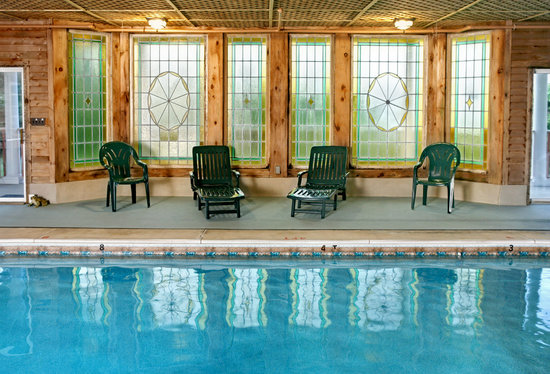 Wilbraham Mansion: Indoor Heated Pool