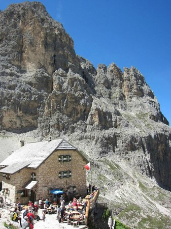 Right Path Adventures Dolomites Walking Tours: A welcome rifugio where we enjoyed cappuccino, pasta and a plate of speck. Dolomites
