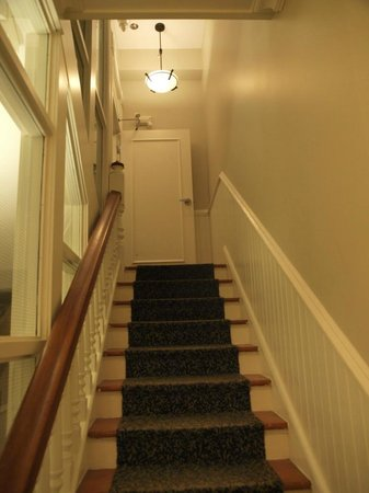 Victorian Hotel: steep stairs