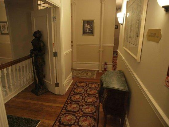 Victorian Hotel: Frightening armor
