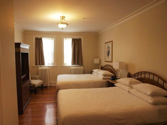 Victorian Hotel: big room
