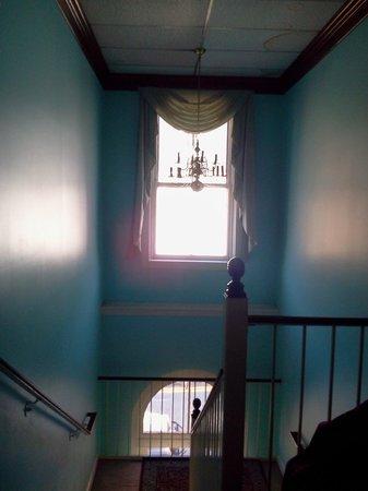 Leesburg Colonial Inn : stairwell