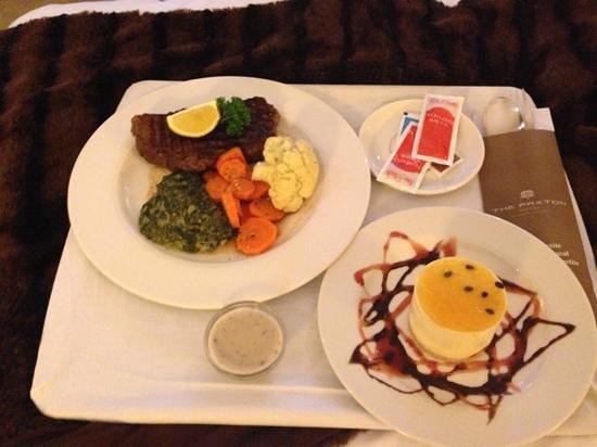 Paxton Hotel : steak, not good