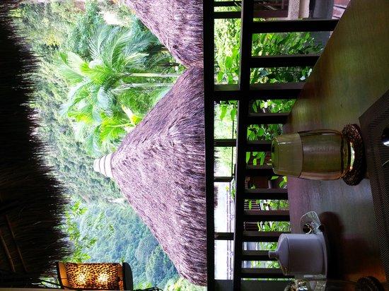 The Pomelo - The Banjaran Hotsprings Retreat : Impressive  outdoor  dining environment