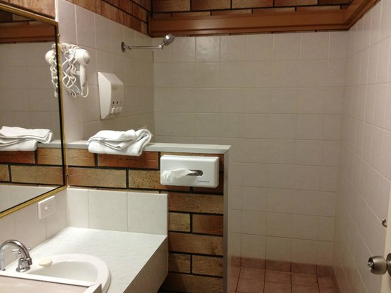 Miles Outback Motel: The Bathroom with large shower area