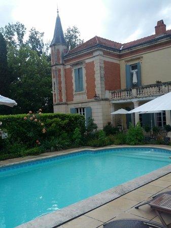 Mas D'Arvieux : La piscina