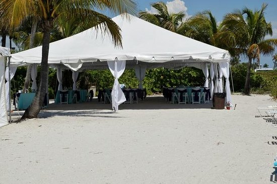 Waterside Inn on the Beach: .