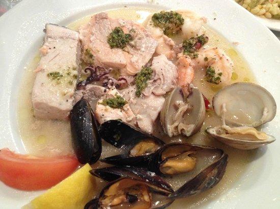 Alvarado Fish and Steak House : Simply inedible: The Captain's Platter