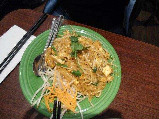Chabaa Thai Cuisine: pad thai