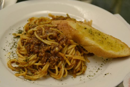 Island Cove Hotel and Leisure Park: Spaghetti with Meat Sauce (Room Service)