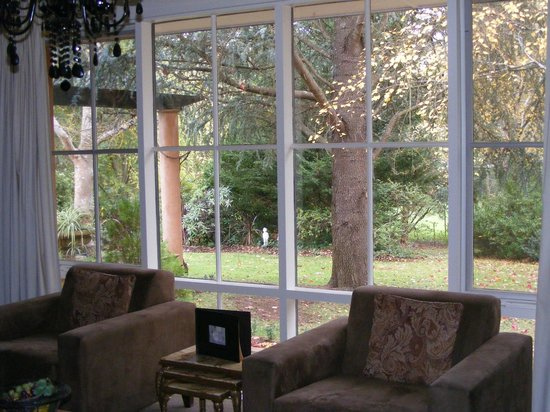 Adelaide Hills Country Cottages: View from lounge room