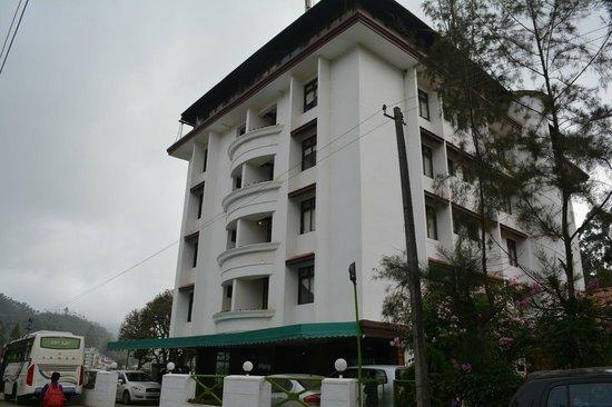 Westwood Riverside Garden Resorts: Hotel facade