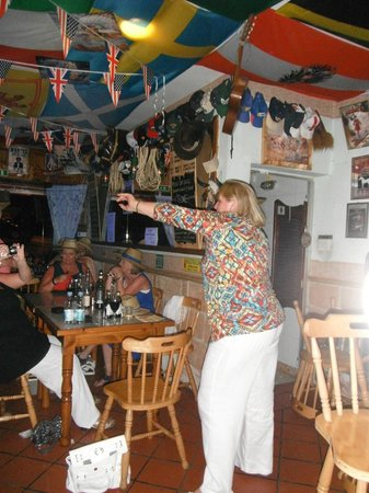 Wild West Bar and Restaurant: Dancing