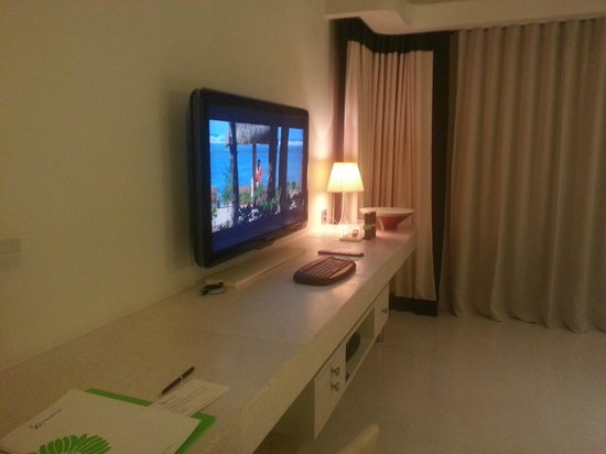 Sofitel So Mauritius: Tv in room