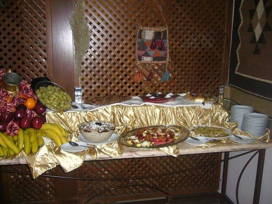 La Maison Hotel Petra: Buffet