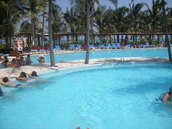 piscine du Barcelo maya beach
