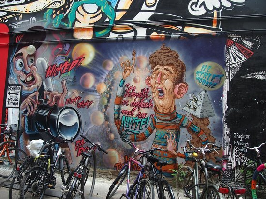 Alternative Berlin Tours: You'll definitely get your dose of graffiti for the day