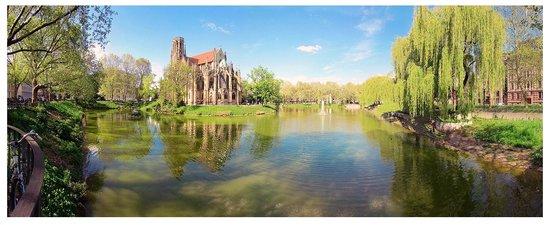 Stuttgart, Germany: Церковь на Фейерзее, Штутгарт