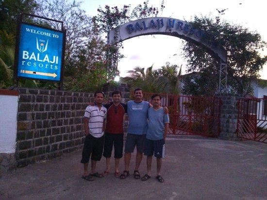 Balaji Resorts, Velhe Pune: Gate