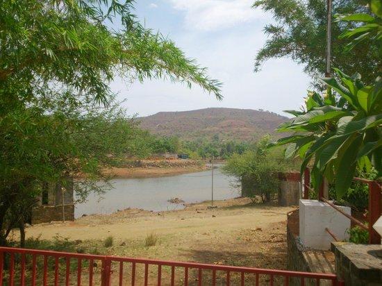 Balaji Resorts, Velhe Pune: River near resort